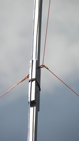 11 m Band J-Pole antenna centred at 27.500 MHz: Bottom gut line stays